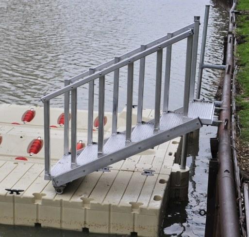 Aluminum Dock Stairway